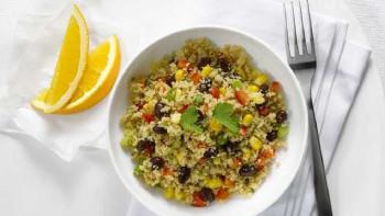 Salata cu somon si cuscus